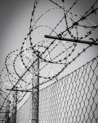 barbed-wire-1463942156ZBd